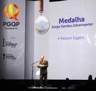 Diretor-presidente da FRUKI foi homenageado na FIERGS
